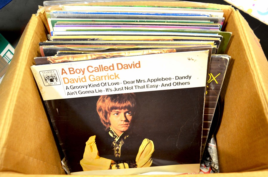 Lot 31 - A selection of 33rpm and 78rpm records including S