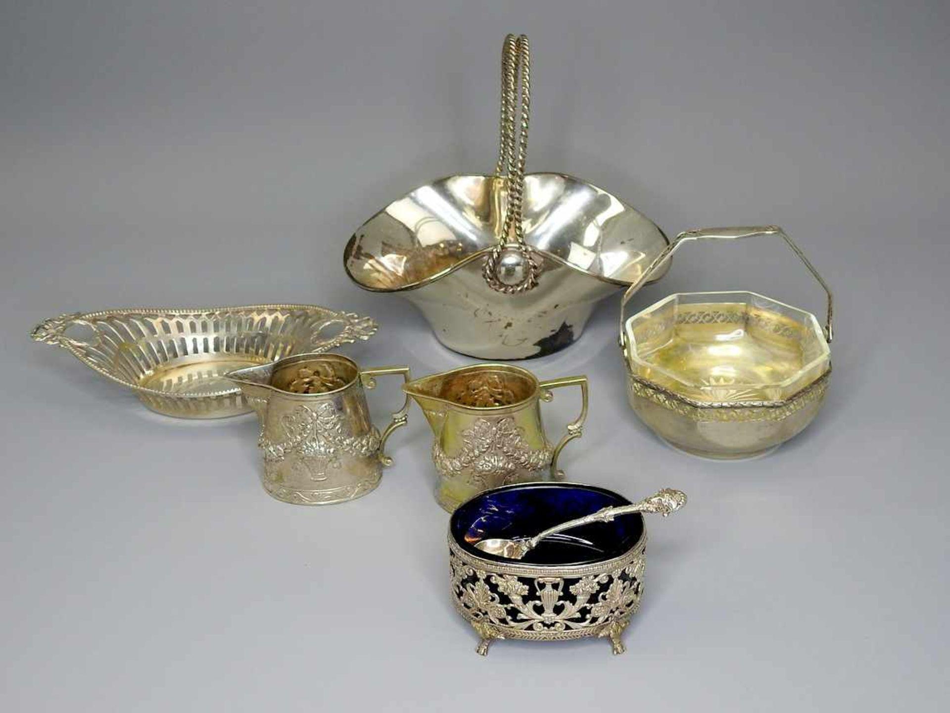 Los 50 - Konvolut von Silberschälchen und -KännchenSilber 800 und Sterling Silber 925, jeweils am Boden mit