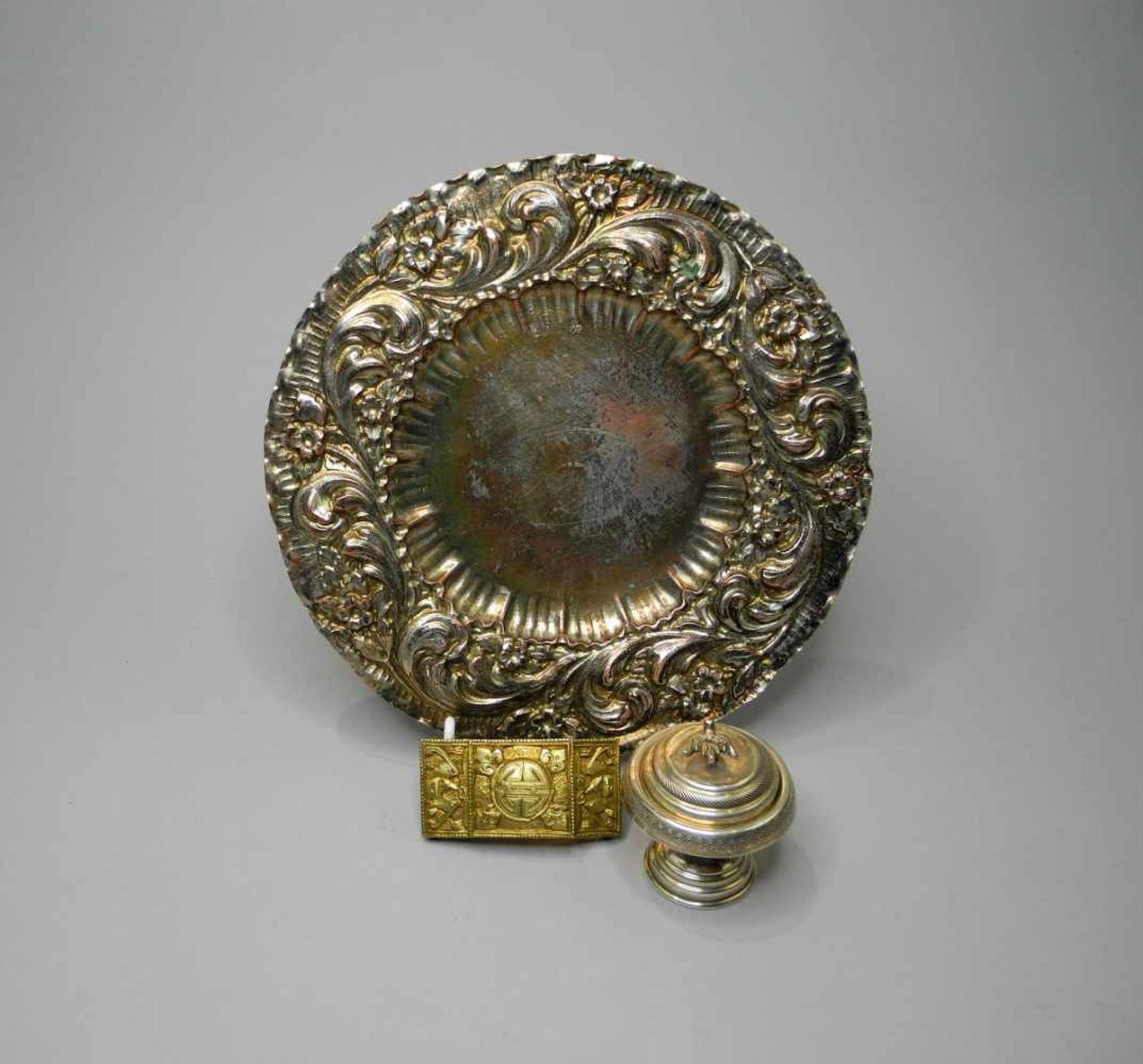 Los 46 - Kleines Konvolut von SilberSilber 800, mehrfach punziert, Punzen wohl Neresheim und Persien. 3-