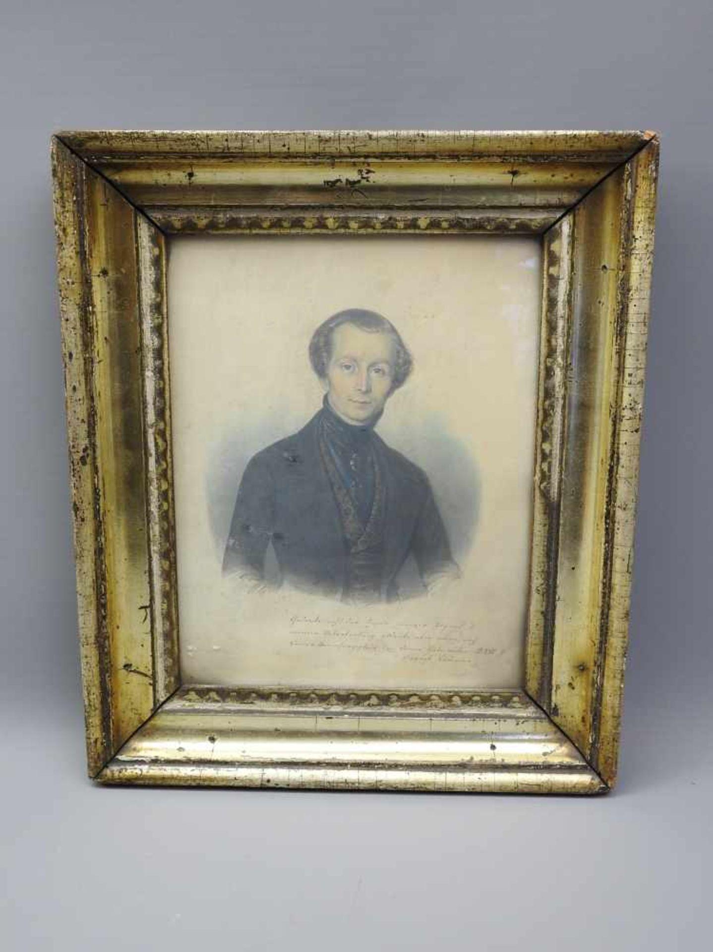 Porträt des August CrämerPastell/Papier. Porträt eines Herrn, betitelt mit August Crämer. Rechts - Bild 2 aus 2