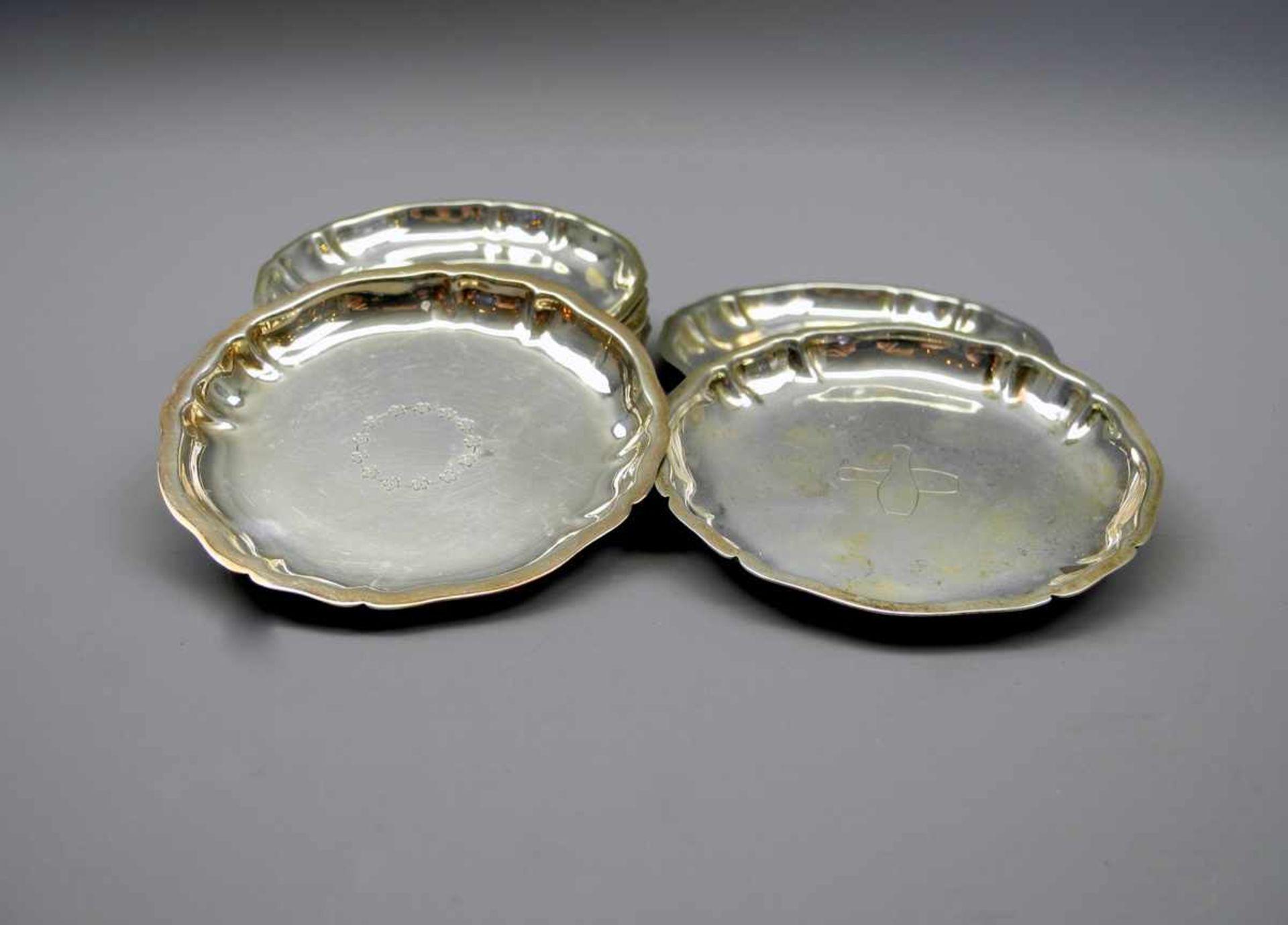 Los 17 - 9 Silber-UntersetzerSilber 835, jeweils rückseitig mit Halbmond und Krone, Feingehalt sowie