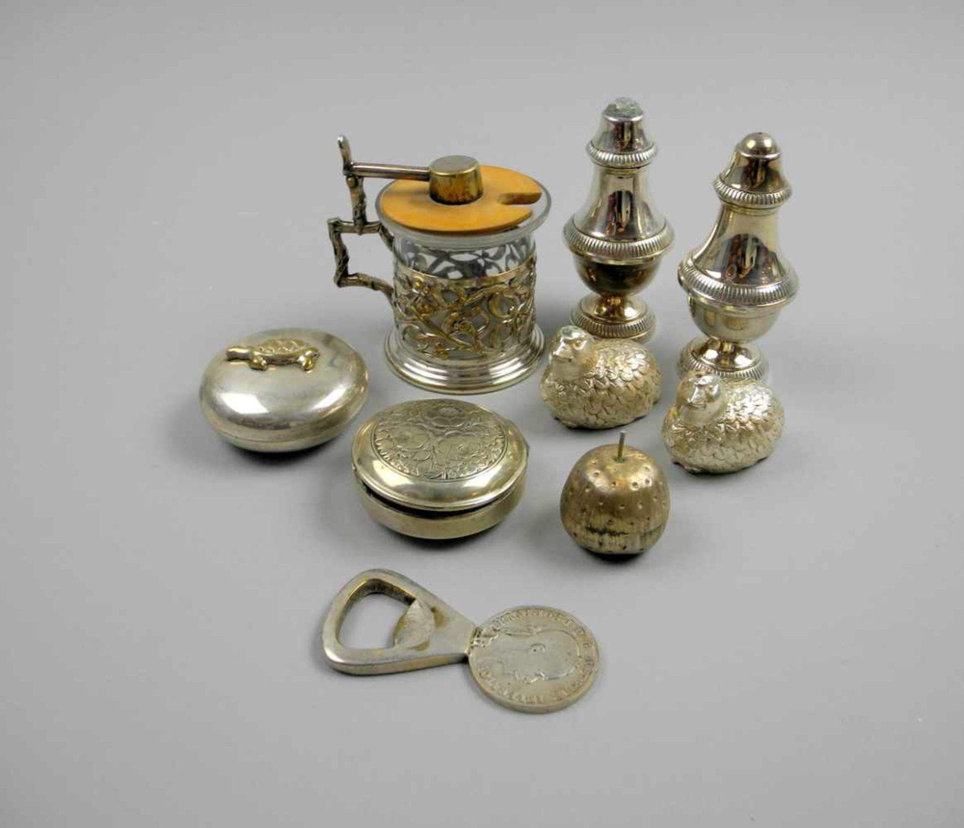 Los 49 - Konvolut von KleinteilenApfel-Dose in Sterling Silber 925, ansonsten Silber plated, jeweils