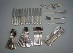 Silbernes RestebesteckSilber 800/Silber plated, vorwiegend rückseitig oder seitlich am Stiel mit