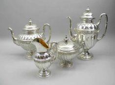 Hochwertiges Silber-KernstückSilber 800, jeweils am Boden mit Feingehalt, Halbmond und Krone sowie