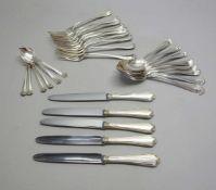 Silber-RestebesteckSilber 800, jeweils rückseitig am Stiel mit Feingehaltsstempel, Halbmond und