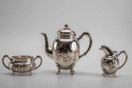 3-teilg. Kaffeeservice,Tiffany &, New York um 1900Sterling-Silber, getrieben, teilweise innen