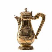 Bedeutende Kanne aus dem Besitz des KönigsErnst August von Hannover.15 lötiges Silber,