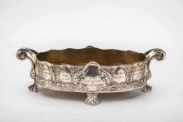 Jardiniere, Jugendstil um 1900800er Silber. Messing-Einsatz. Auf vier gefächerten Füßen ovaler