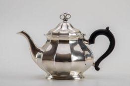 Teekanne, Will. Binder, Schw.Gmünd um 1900Für Louis Werner, Hofjuwelier in Berlin, Friedrichstr.,