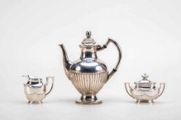 3-teilig. Kaffeeservice925 und 835er Silber. Bestehend aus Kaffeekanne, Zuckerdose und