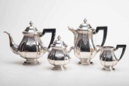 4-teilig. Kaffee-Teeservice, Belgien835er Silber. Bestehend aus Kaffeekanne, Teekanne, Zuckerdose