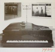 Joseph Beuys, Am Klavier, sign. Farboffsetlithographie, o. Rahmen Joseph Beuys, 1921 – 1986,