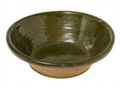 SchüsselNiederbayern. Irdenware, olivgrün glasiert. Glasurfehler. ø26 cm.bowlLower Bavaria.