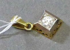Anhänger14 kt. Gelbgold, 1 Brillant ca 0,15 ct, wesselton, ca 1,5g, h 1,5 cm,