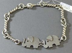 ArmbandSilber, 2 Elefanten, gedrehte Glieder, ca 34g, l 20 cm,