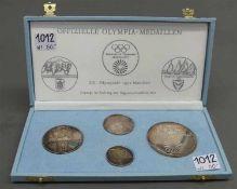 4 Medaillenoffizielle Olympia Medaillen der XX. Olympiade, München, Feinsilber, verschiedene Größen,
