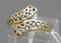 Damenring18 kt. Gelbgold, mit 28 Diamanten, 6,6 g schwer, RM 58,