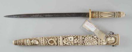 Schwert mit fein geschnitzter Scheide und Griff aus Elfenbein, Klinge aus Eisen, 19. JH,mit Zettel