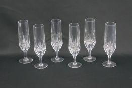Sechs Sektflöten aus KristallglasKristallglas, Höhe der Gläser 19 cm und Durchmesser 4 cm, in