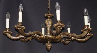 Achtflammiger BronzedeckenleuchterHöhe 85 cm und Durchmesser 82 cm, in einem guten Zustand,