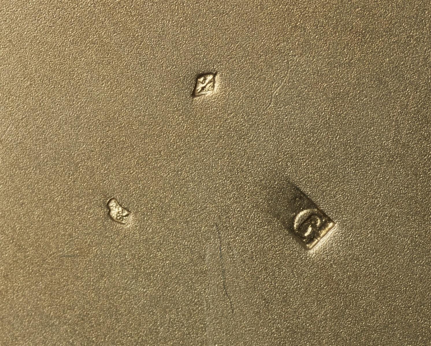 Lot 6 - Bedeutende Schale von Lucien GaillardVermeil, Elfenbein, Steinzeug mit tannengrüner Verlaufglasur.