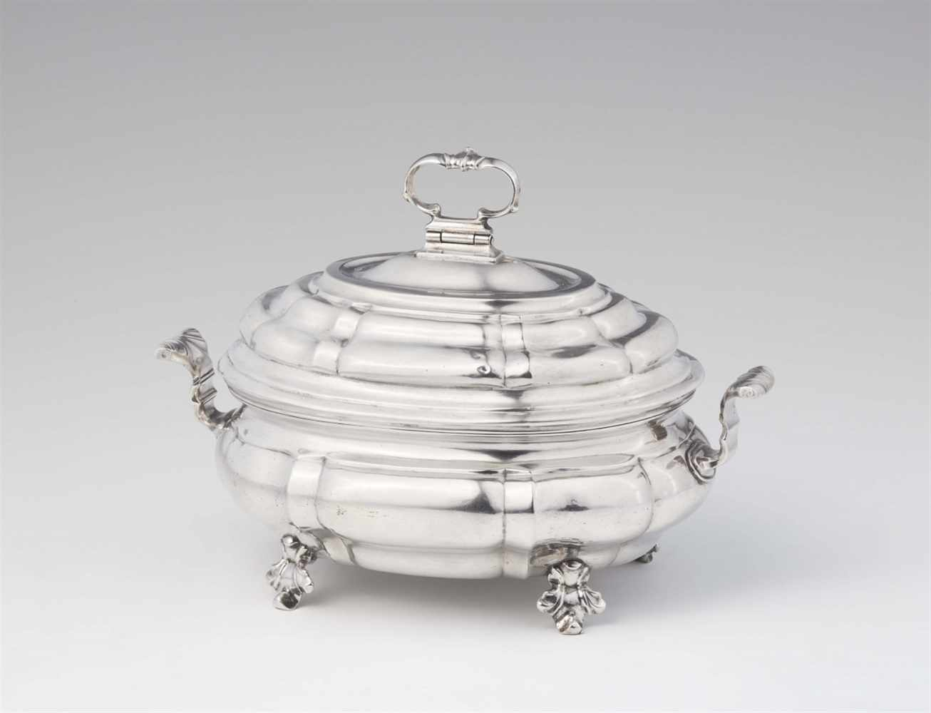 """Lot 344 - A small silver tureen and coverInterior gilt tureen, monogrammed to the underside """"E.D.G.v.Z."""" W 21;"""