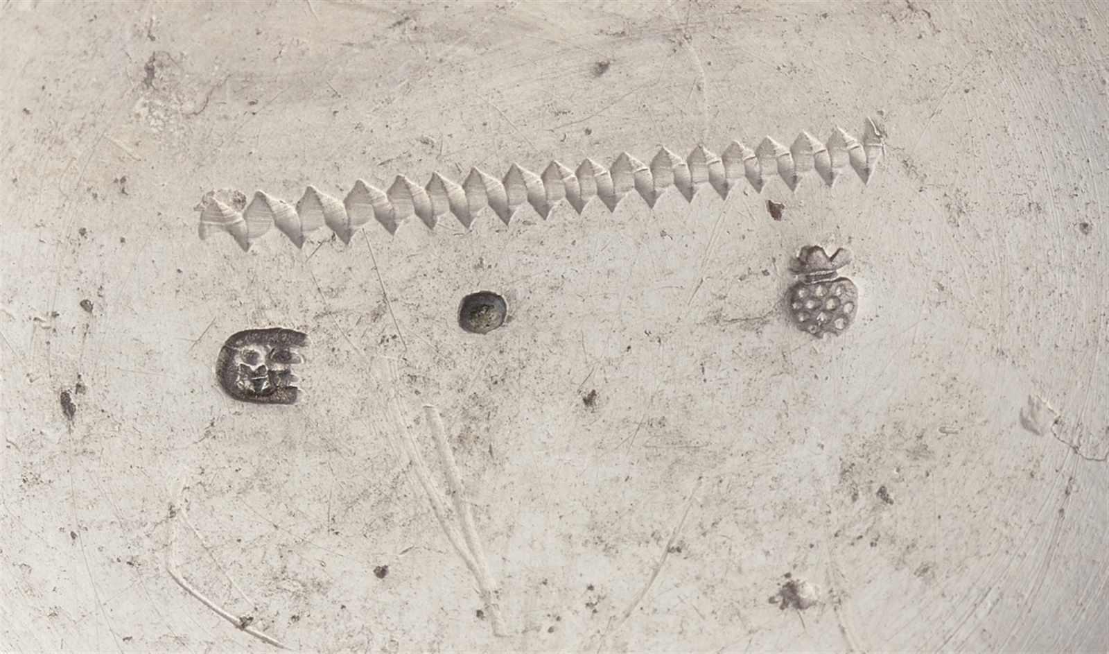 Lot 317 - An Augsburg silver gilt snakeskin beakerTapering beaker on a flat base. H 8.3 cm, weight 130 g.