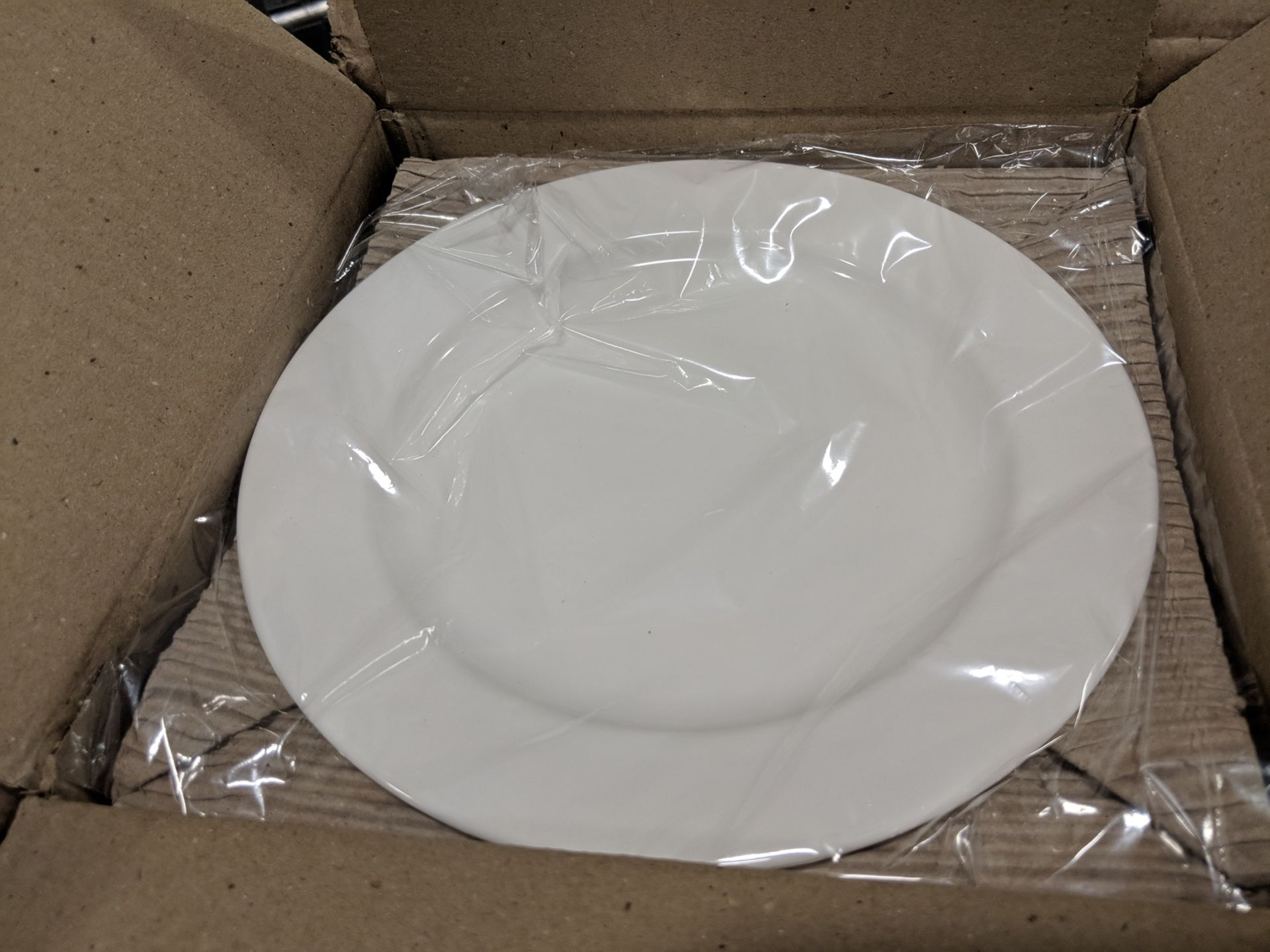 "Lot 27 - 8-1/4"" Infinity Salad/Dessert Plates - Lot of 24 (1 Case), Arcoroc R1004"