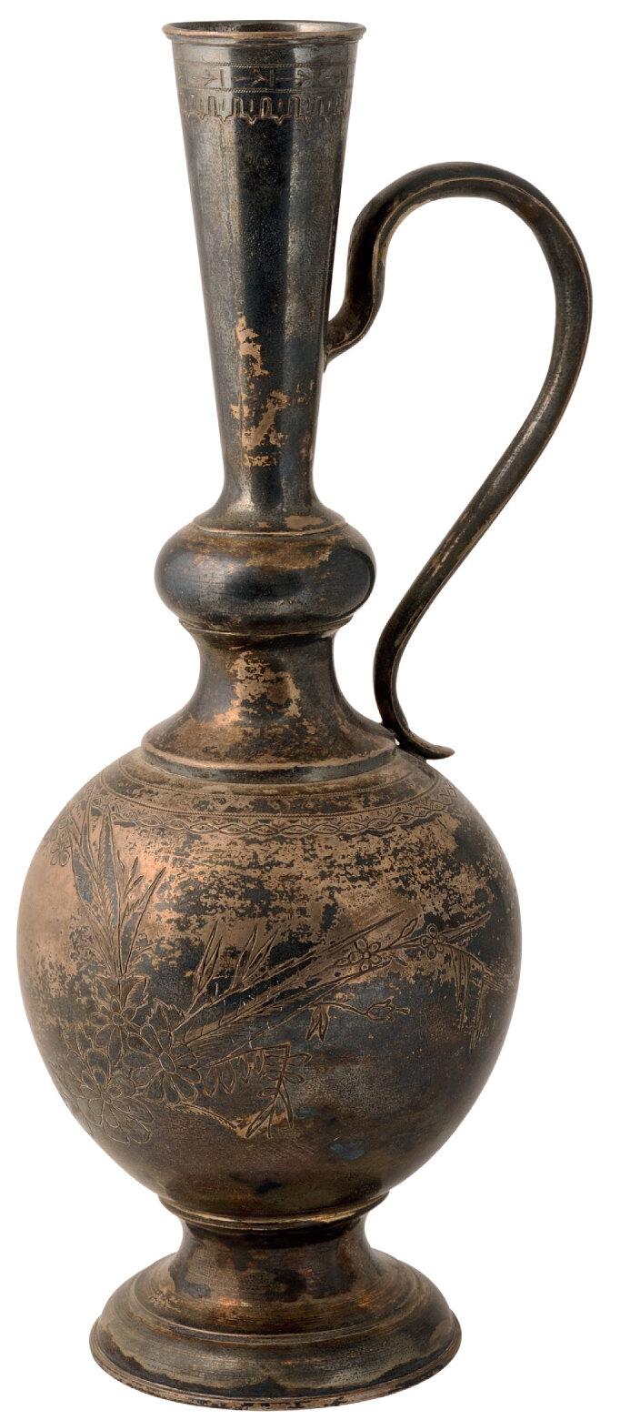 Lot 3591 - Big silver vase with engraved handle and pedestal base