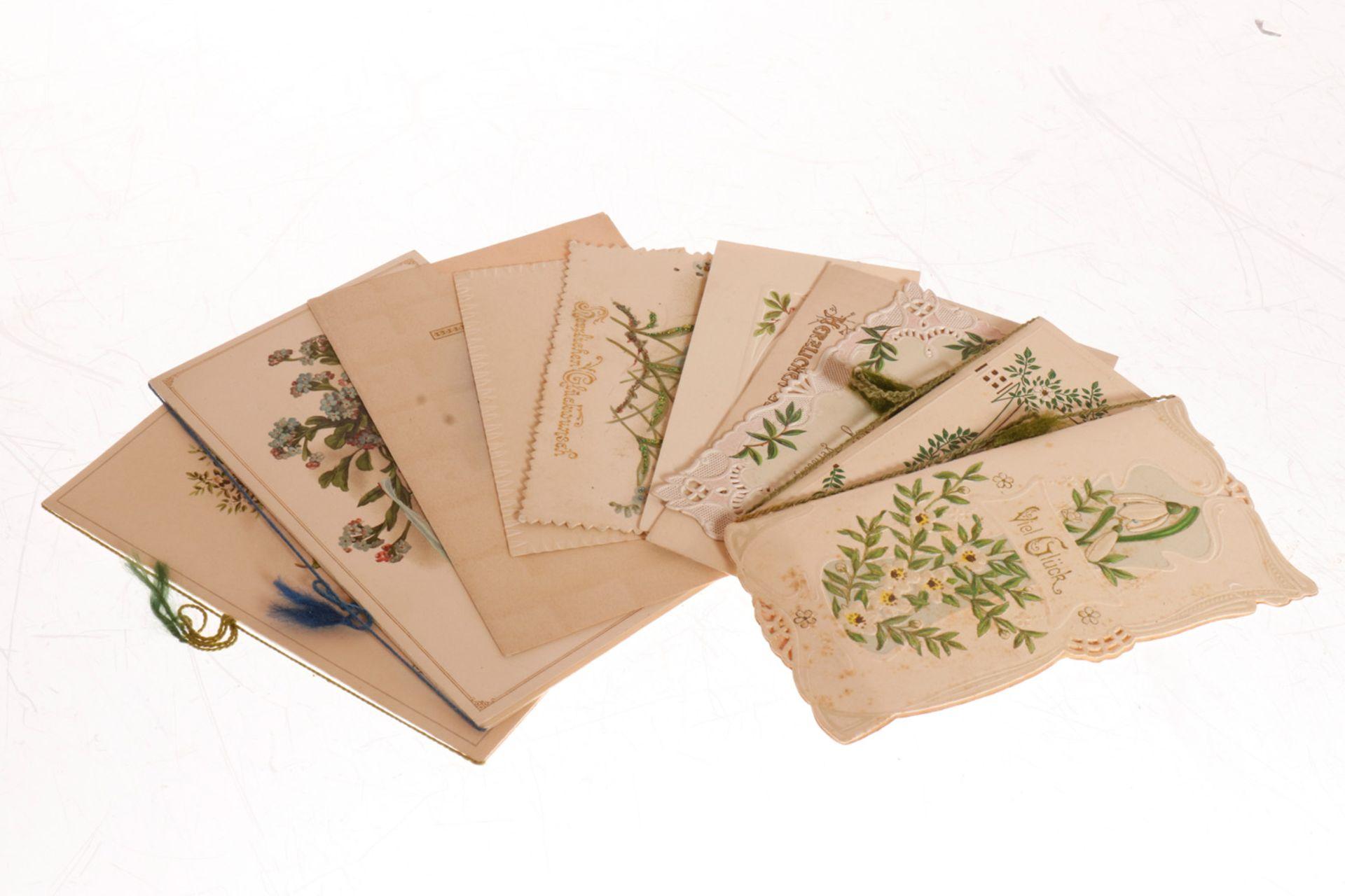 Konv. 10 Glückwunschkarten, meist um 1900/1910, darunter Jugendstil, tw geprägt und gestanzt,