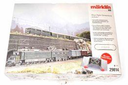 """Märklin Mega-Digital-Startpackung """"Schweiz"""" 29814, S H0, mit 2 Lokomotiven, 8 Wagen und"""
