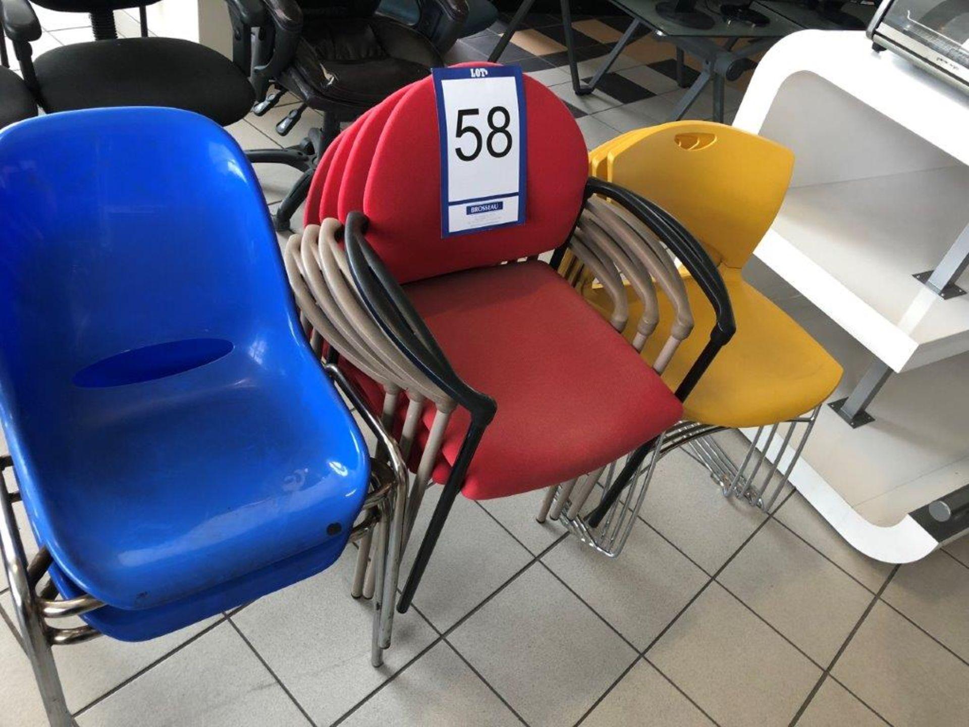 Lot 58 - Lot: 4 fauteuils et 6 chaises