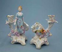 Leuchterpaar im Barockstil, 20.Jh. Akanthussockel mit Dame bzw. Blüte, best., rest.,Schwerter-Mk., H