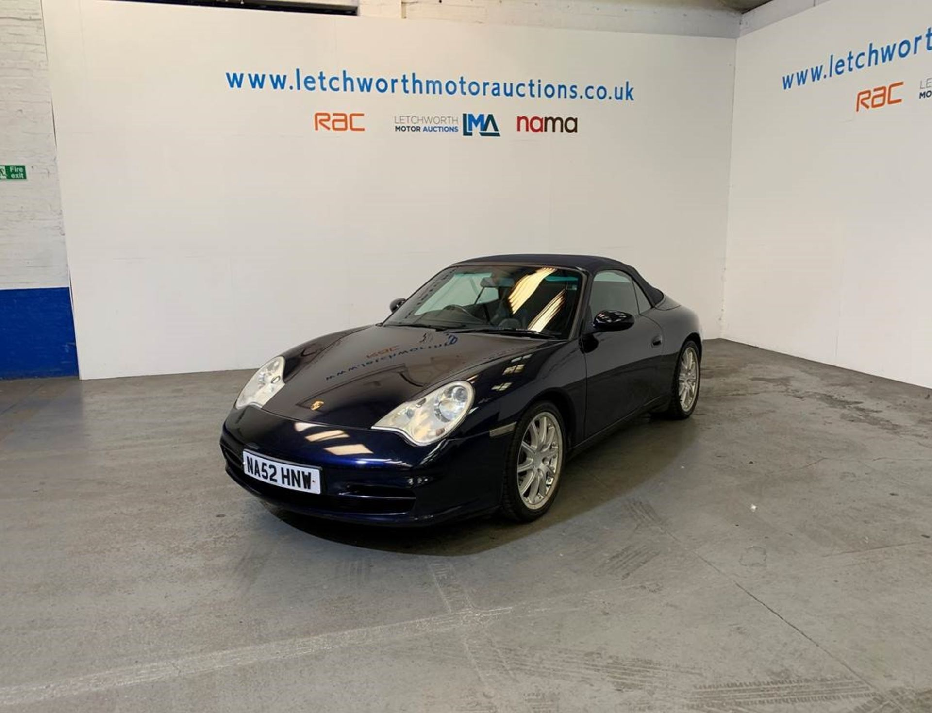 Lot 19 - 2002 Porsche 911 Carrera 4 Tiptronic - 3596cc