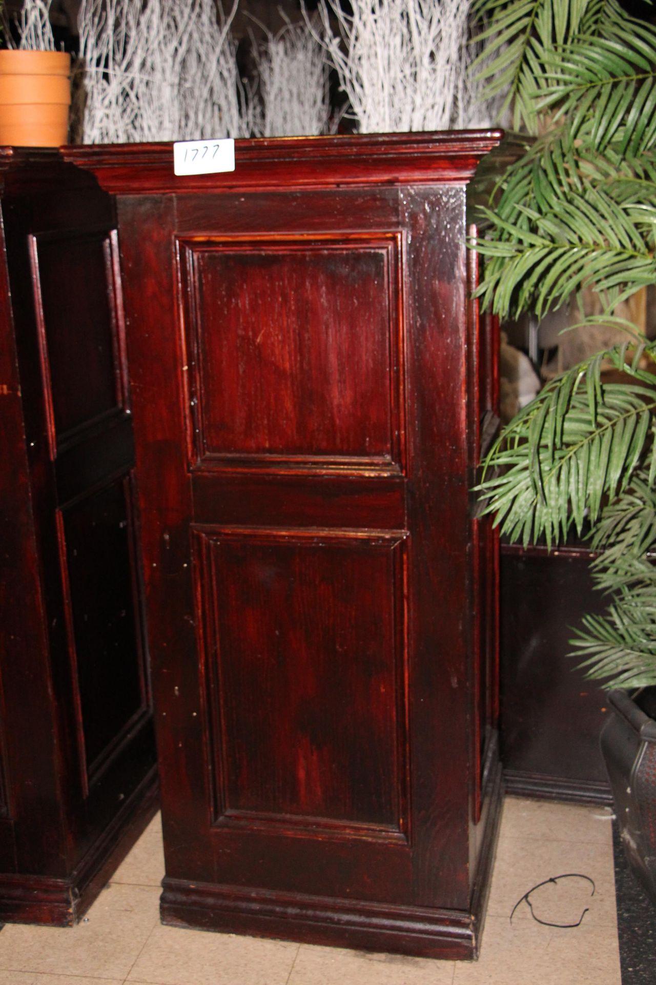 Lot 1777 - Wooden pillar