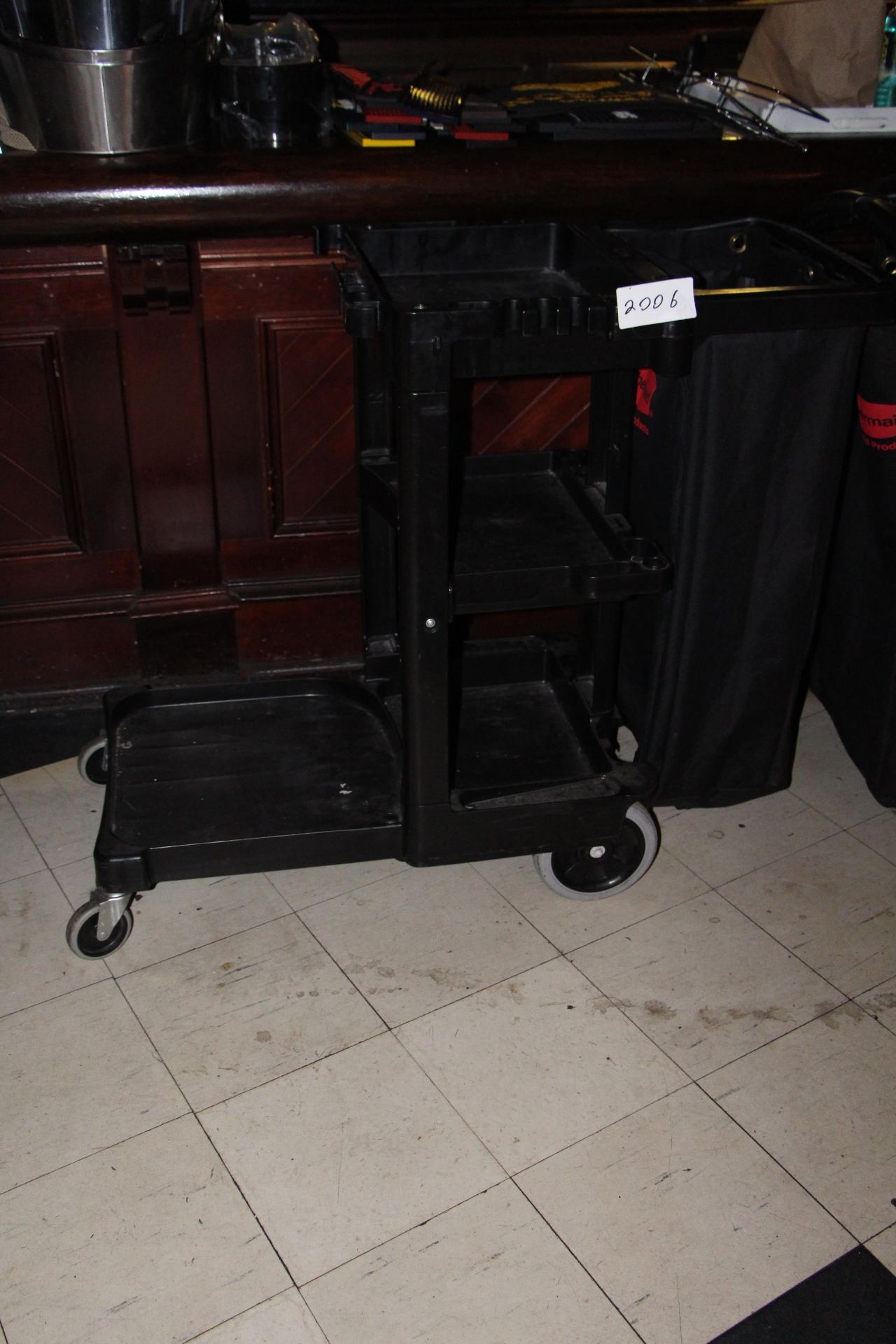 Lot 2006 - Janitor cart