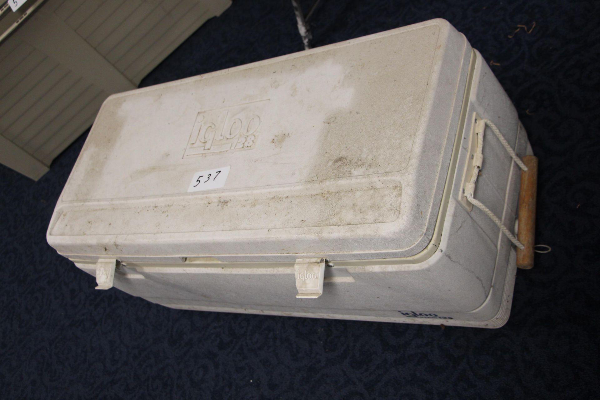 Lot 537 - Igloo large cooler