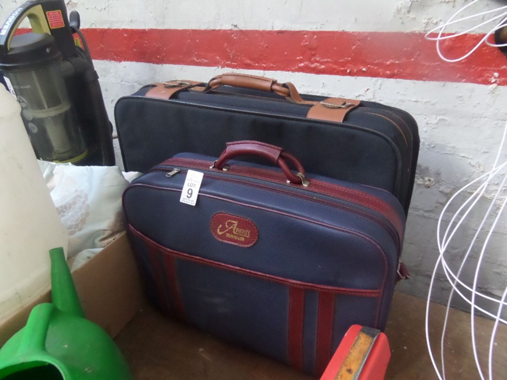 Lot 9 - 2 SUITCASES