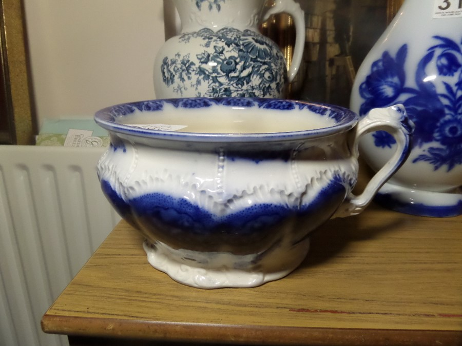 Lot 30 - BLUE AND WHITE CHAMBER POT STAMPED SAPHO