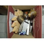 Lot 19 - BOX OF ASSORTED ORNAMENTS