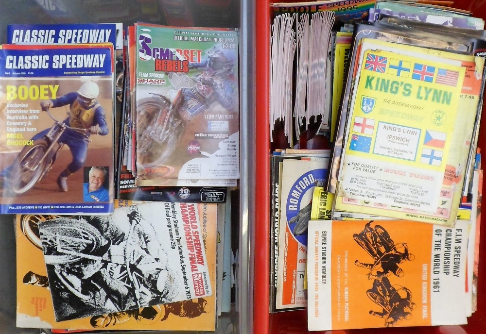 Lot 16 - Speedway programmes, a vast accumulation, 1970's onwards, many different tracks inc. Oxford, Belle