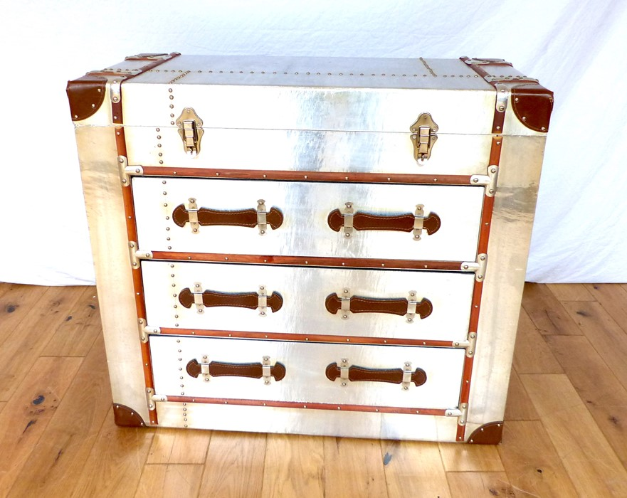 Lot 19 - An Aviator COD Aluminium Trunk.