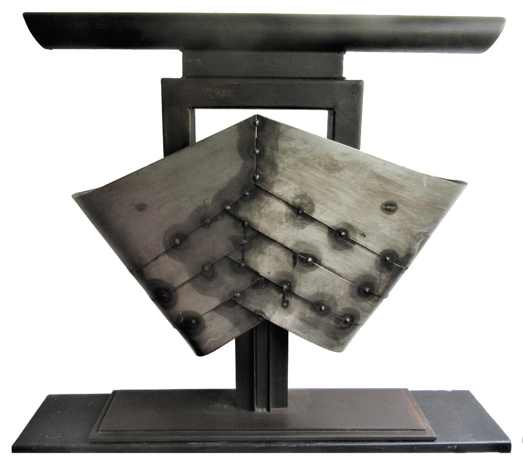 Lot 67 - Verbruggen Hubert (1944) Chevrons corsetés - Acier - 60 x 65 x 15 cm - 17kg -