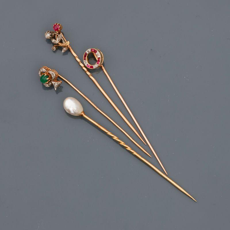 Lot 6 - Lot d'épingles en or jaune , 750 MM, dont une ornée d'une perle probablement fine, [...]