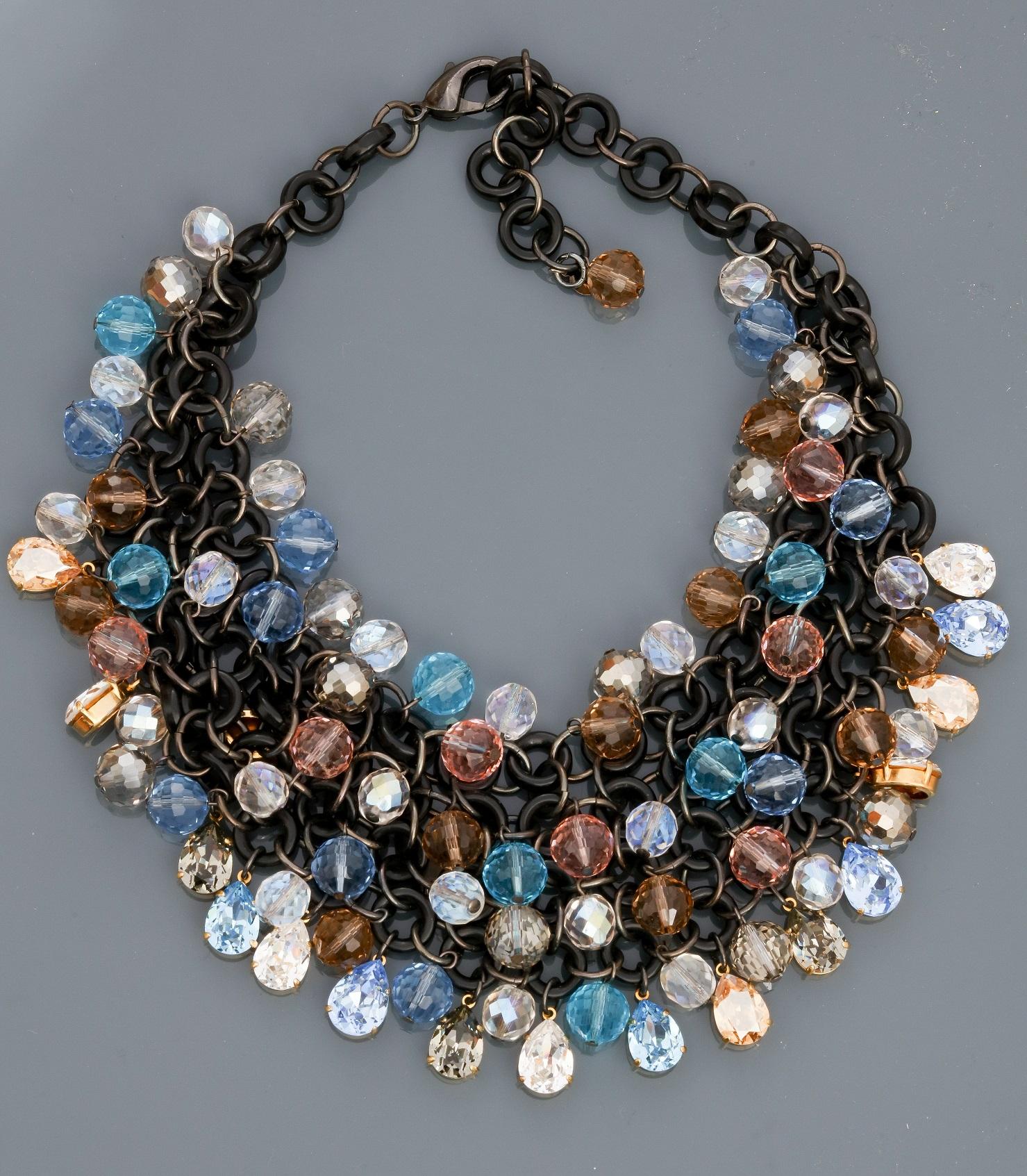 """Lot 0C - Françoise MONTAGUE, Collier """" Plastron """" recouvert de perles en cristal Swarovski, [...]"""