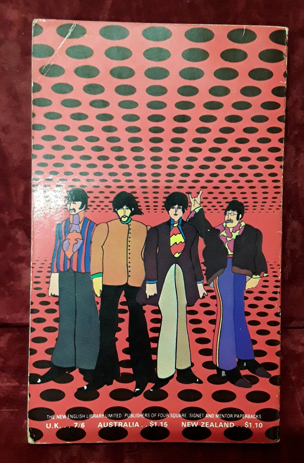 "Lot 422 - A first edition copy of the ""The Beatles Yellow Submarine"" paperback book."