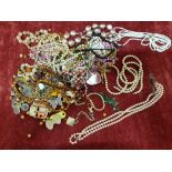 Lot 405 - A mixed collection of costume jewellery.