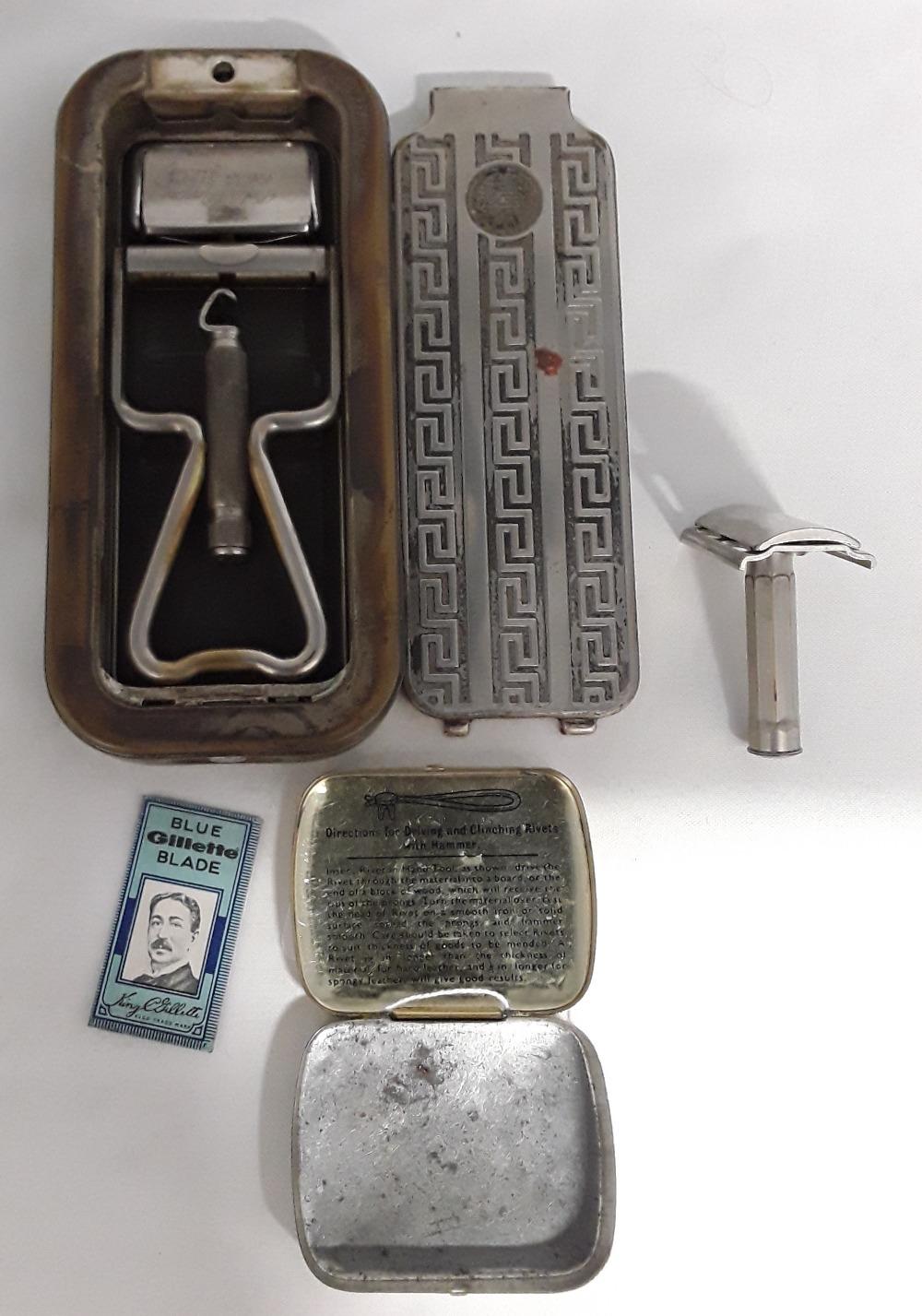 Lot 1 - A vintage Rolls Razor set together with razor.