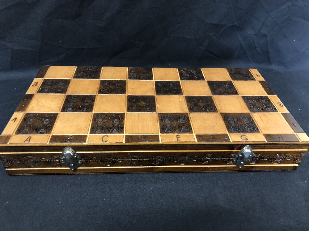 Lot 28A - A novelty chess set together with an small chess set constructed from onyx.