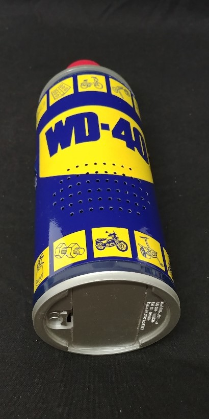 Lot 28 - A retro style am/fm radio in the form of a can of WD-40. In original box.
